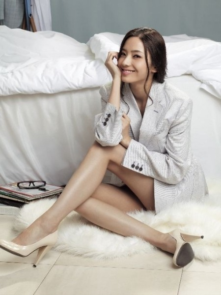 han-chae-young-rogatis-한채영-로가디스