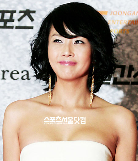 Choi Jin-sil Sued For Being Be...