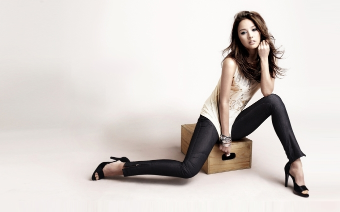 Lee Hyori High Heels